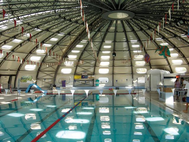 La piscine municipale for Piscine de saint laurent du var